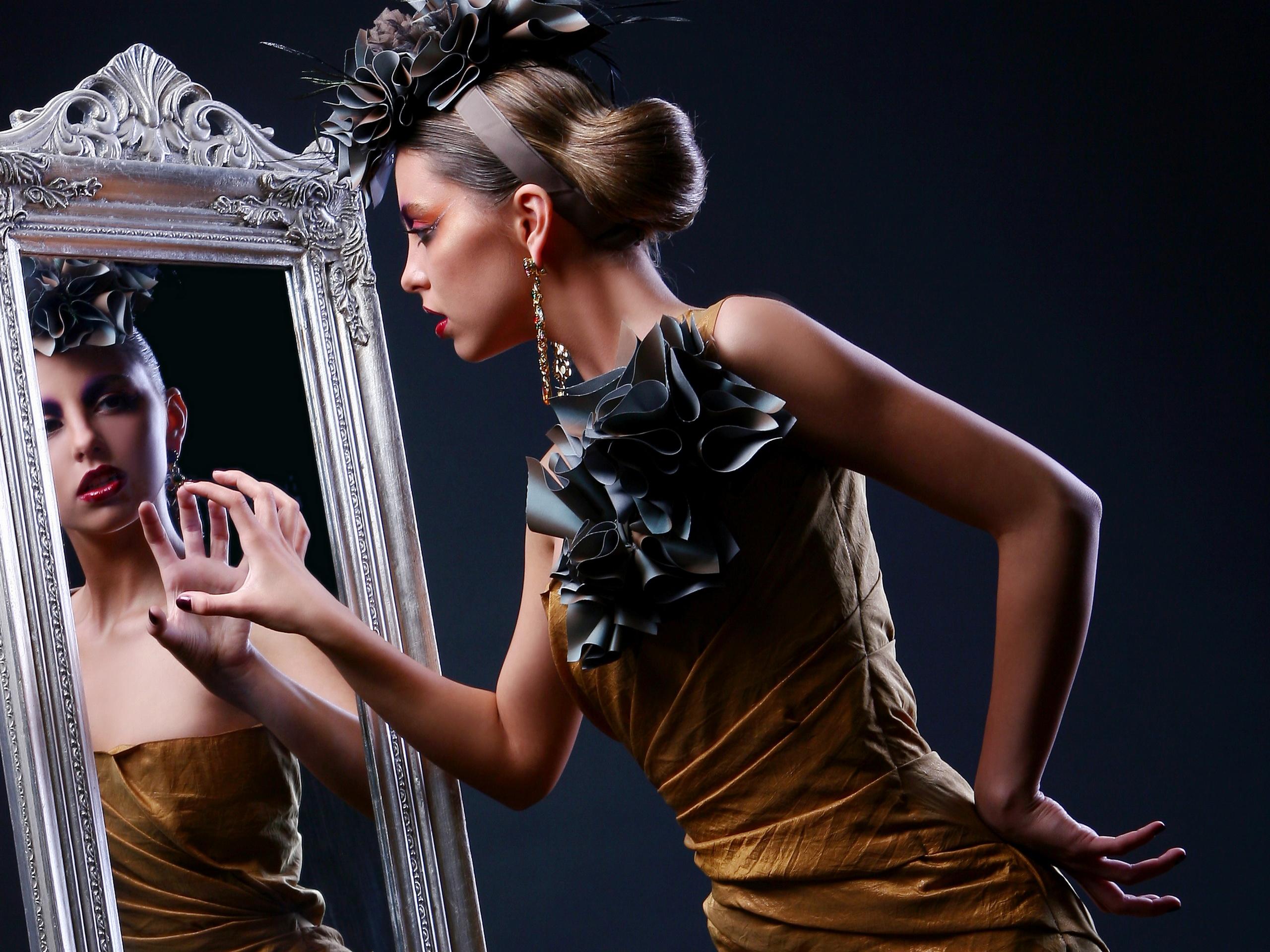 Фото анжелика у зеркала санкт